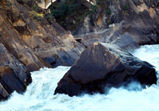 Tiger leaping gorge 2 days hiking tour