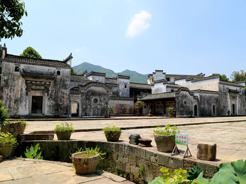 4 Days Huangshan Tour of Mountain, Village and Xin